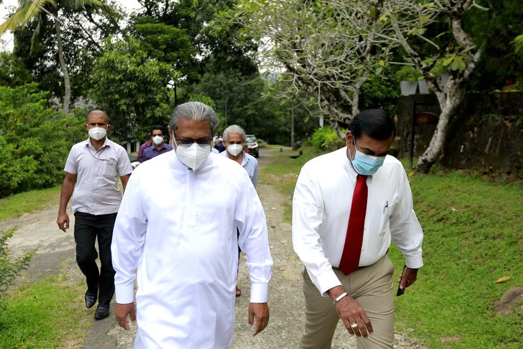 Hon. Vidura Wickramanayaka arrived at Sri Palee Campus at 11.30 am on 7th April 2021